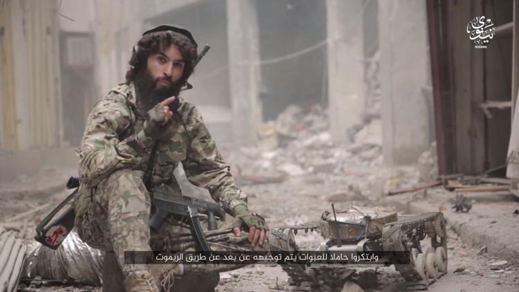 FOTOS: El Estado Islámico muestra las armas con las que piensa resistir en Mosul