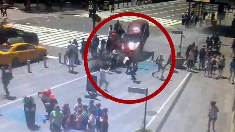 FUERTES IMÁGENES: Publican los videos del momento exacto del atropello en Times Square