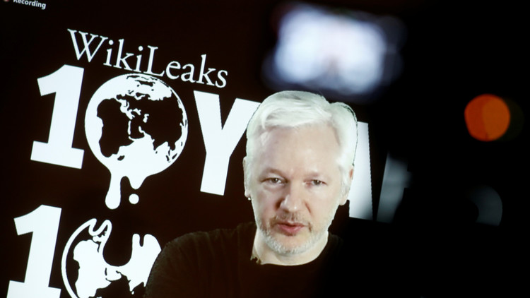 Suecia suspende la causa contra Julian Assange