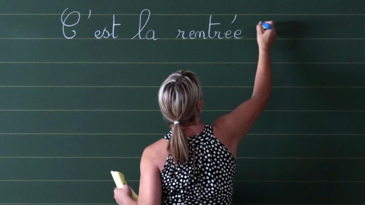 Suspenden a una maestra argentina por burlarse en Facebook del examen de una alumna