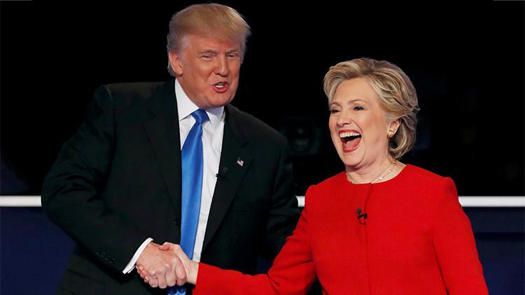 VIDEO: Así practicaba Hillary Clinton para evitar los posibles abrazos de Trump en campaña