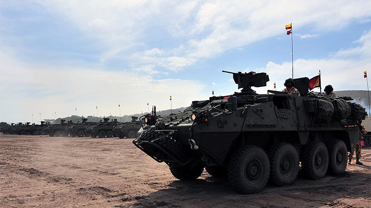 """Venezuela tacha de """"provocación"""" la presencia de vehículos blindados de Colombia cerca la frontera"""