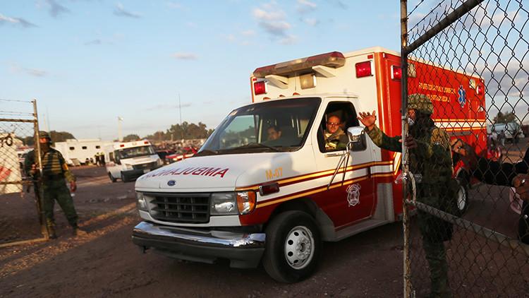 VIDEO, FOTOS: Al menos 16 muertos en un accidente de autobús en México