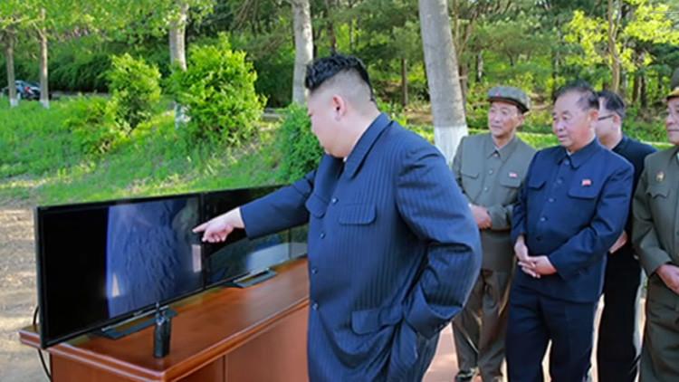 El misil norcoreano fotografió a la Tierra durante su reentrada en la atmósfera (Fotos)