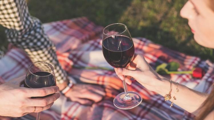 Refutan el mito: un vaso de tinto no es bueno para la salud