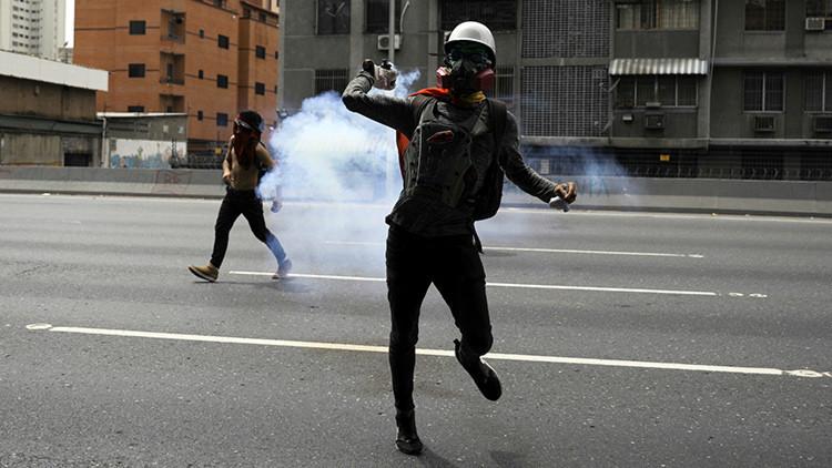 """""""El apoyo discursivo a los desestabilizadores venezolanos legitima a los golpistas"""""""
