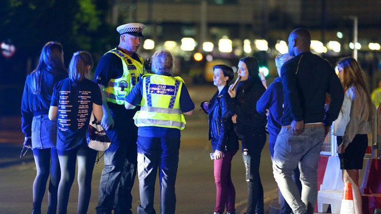 El brutal atentado que sobrecogió Mánchester (minuto a minuto)