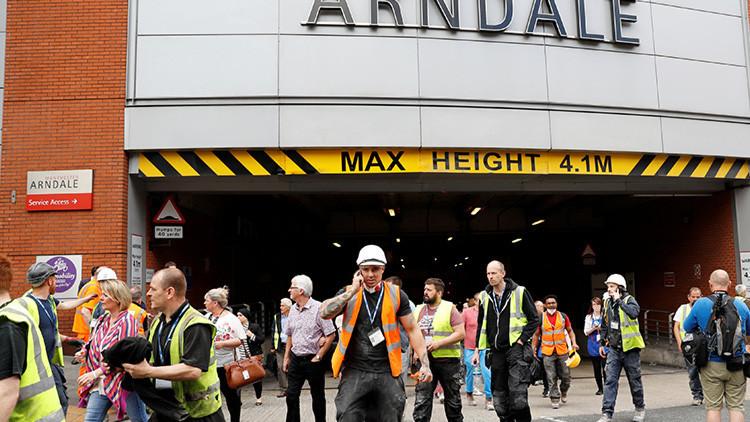 Videos: Evacuan el centro comercial Arndale en Mánchester