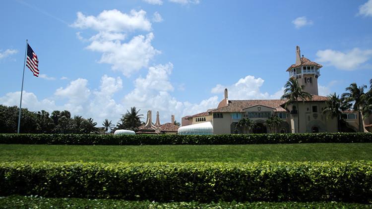 """""""Es una ruta de escape"""": Socavón frente a residencia de Trump en Florida, blanco de burlas en la Red"""