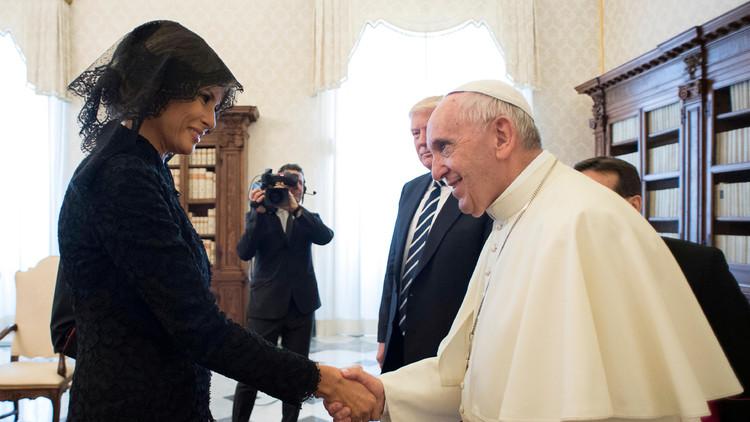 La vestimenta de Melania en el Vaticano se vuelve noticia tras su polémica en Arabia Saudita (VIDEO)