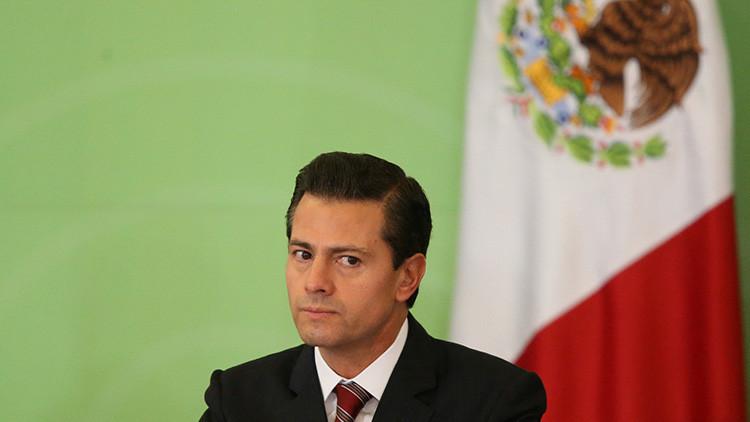 """El presidente de México presume de """"país confiable"""" con resultados económicos de un mes"""