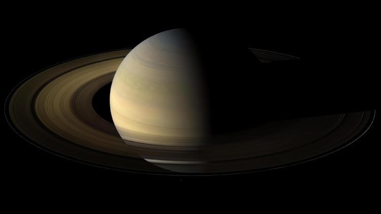 La sonda Cassini consigue capturar el solsticio de Saturno, que ocurre una vez cada 15 años (FOTOS)
