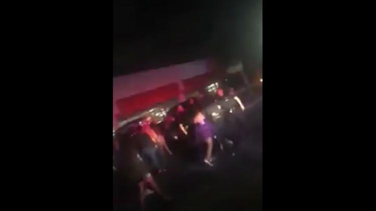 Video: Policía golpea brutalmente en la cara a una adolescente de 14 años en Texas