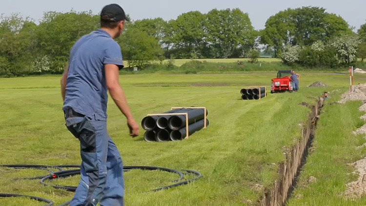 Video: Construirán un 'cervezoducto' para abastecer a un festival de 'heavy metal' de Alemania