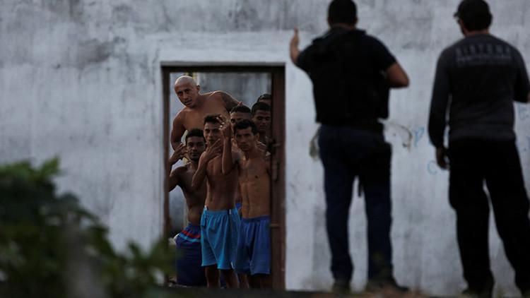 99 presos se fugaron de una cárcel en Brasil