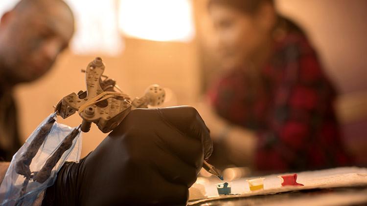 ¿Por qué los británicos se tatúan abejas después del atentado de Mánchester? (FOTOS)