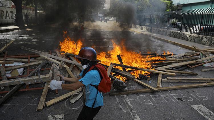 Los tuits del diputado que inventó una masacre en Venezuela