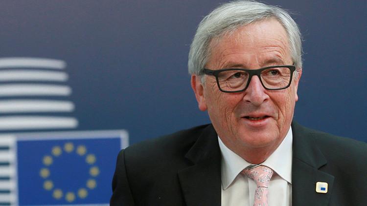 El presidente de la Comisión Europea se burla de Trump por su amor a Twitter