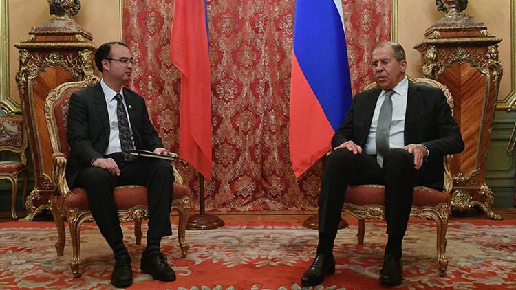 Rusia y Filipinas firman un acuerdo de cooperación en defensa y reafirman unidad contra terrorismo