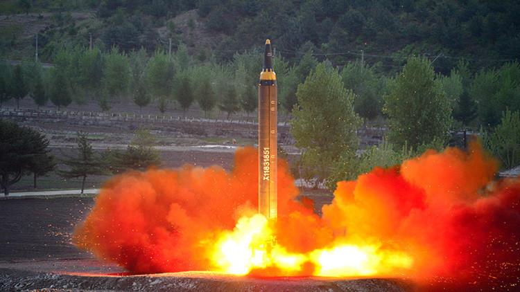 EE.UU. programa una interceptación de prueba de un misil balístico de tipo norcoreano