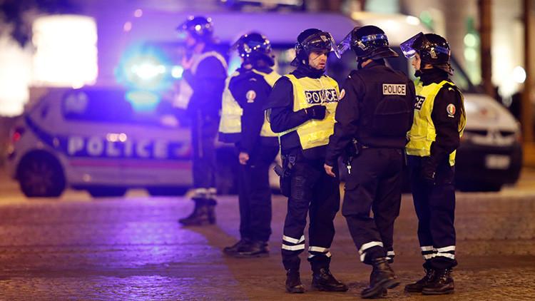 Acordonan la plaza de la República de París por amenaza de bomba (FOTO, VIDEO)
