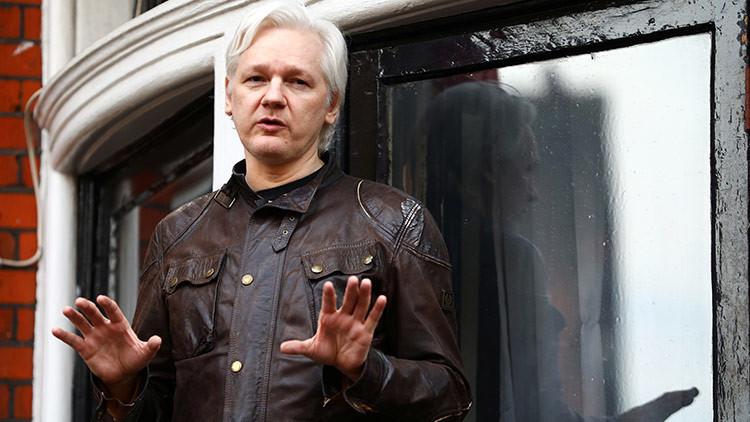 Julian Assange responde a las advertencias de Lenín Moreno