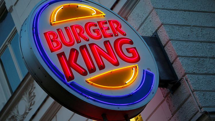 """""""Él no les preparará patatas fritas"""": Un anuncio de Burger King enfada al rey de Bélgica (Foto)"""