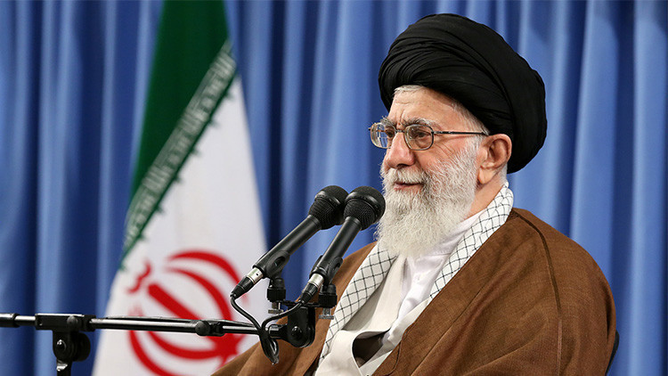 """Irán: """"Arabia Saudita es una vaca ordeñada por Estados Unidos"""""""