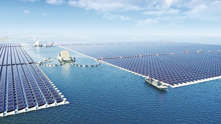 China inaugura la planta flotante de energía solar más grande del mundo