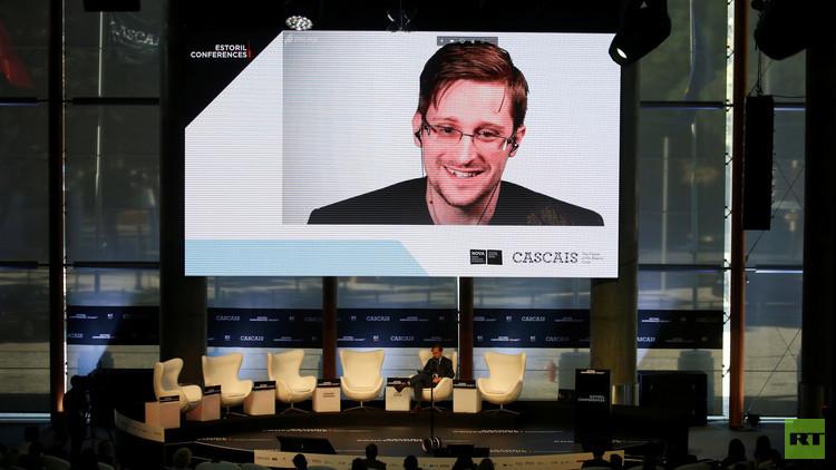 """Snowden: """"Los derechos se pierden por leyes cobardes"""""""
