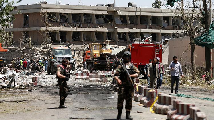 FUERTES IMÁGENES: 80 muertos y 300 heridos tras una explosión en Kabul