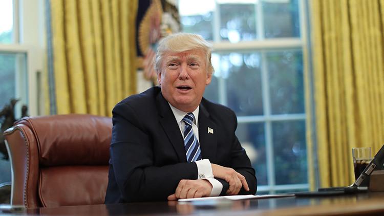 """Donald Trump reta a los internautas a adivinar el significado de su misterioso """"covfefe"""""""