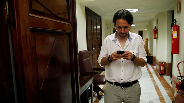 """Así se convirtió Pablo Iglesias en 'personal assistant' de un tuitero: """"Compra sal del Himalaya"""""""