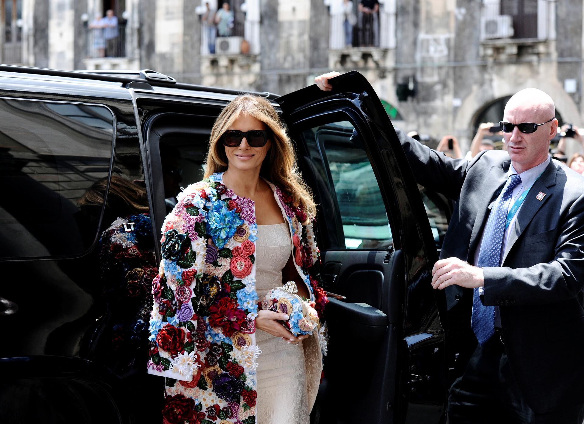 ¿Qué esconde? Descifrando la incógnita de Melania Trump, el centro de todas las miradas