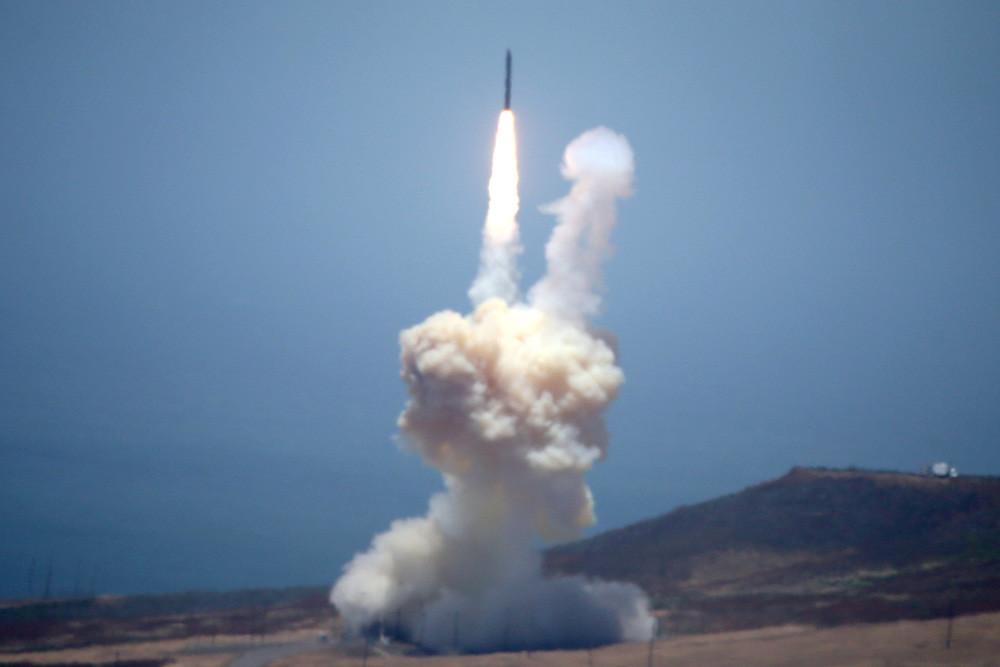 Estados Unidos intentará hoy derribar un misil intercontinental