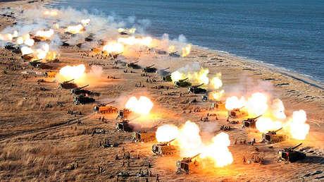 Un ejercicio de las unidades de artillería del Ejército Popular de Corea del Norte, el 2 de diciembre de 2016.
