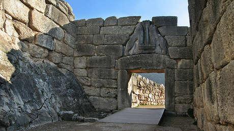 Puerta de los Leones en Micenas (Grecia).