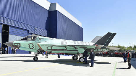 El primer caza F-35B montado fuera de Estados Unidos