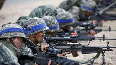 Marines de la Armada de Corea del Sur participan en entrenamientos conjuntos con EE.UU., 2 de abril de 2017.