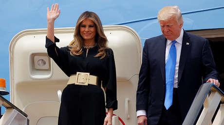 Donald Trump y Melania Trump llegan a Riad, Arabia Saudita, el 20 de mayo de 2017.