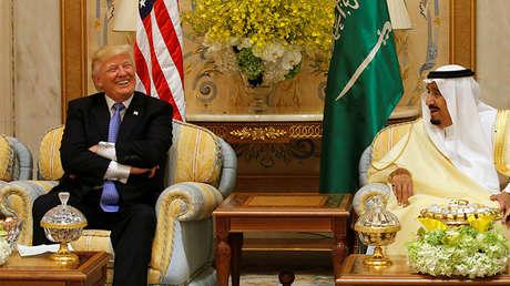 El presidente de EE.UU., Donald Trump, y el rey saudí Salmán bin Abdulaziz al Saud, en Riad, Arabia Saudita, el 21 de mayo de 2017.