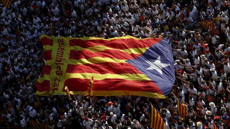 Miles de personas piden la independencia de Cataluña durante la fiesta oficial de la región, el 11 de septiembre