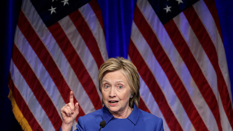 """Hillary Clinton: """"Putin quiere doblegarnos"""""""