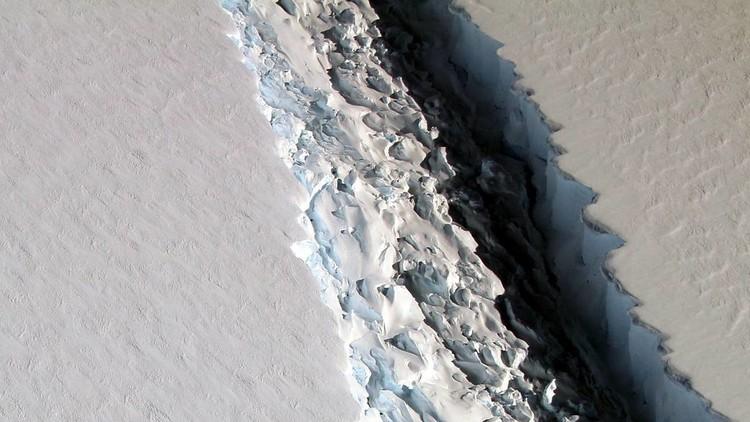 FOTO: Un iceberg del tamaño de la República Dominicana está a punto de desprenderse de la Antártida