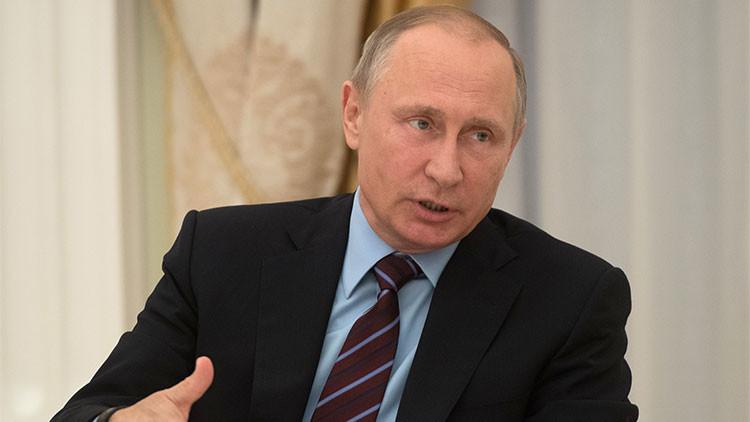 """Putin: """"No hay 'hackers' que puedan influir en el resultado de ningunas elecciones"""""""
