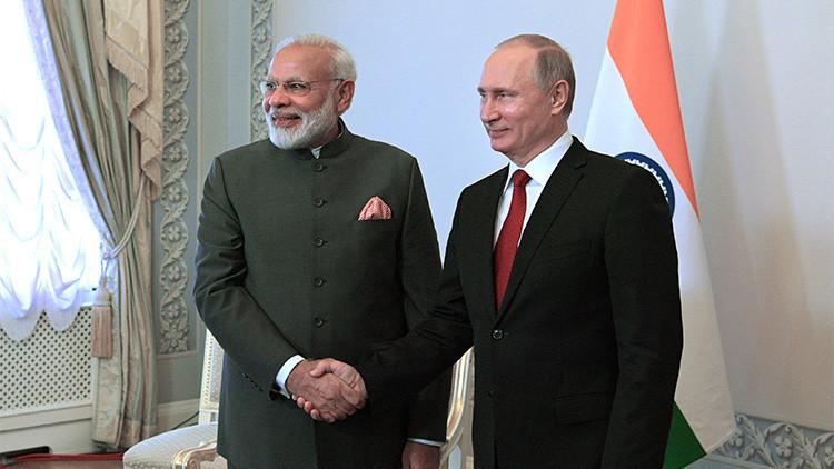 Putin: Rusia e India seguirán con la elaboración y producción conjunta de sistemas de armamento