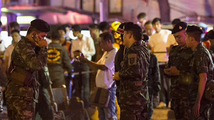 Varios muertos al embestir un camión contra un restaurante en Tailandia