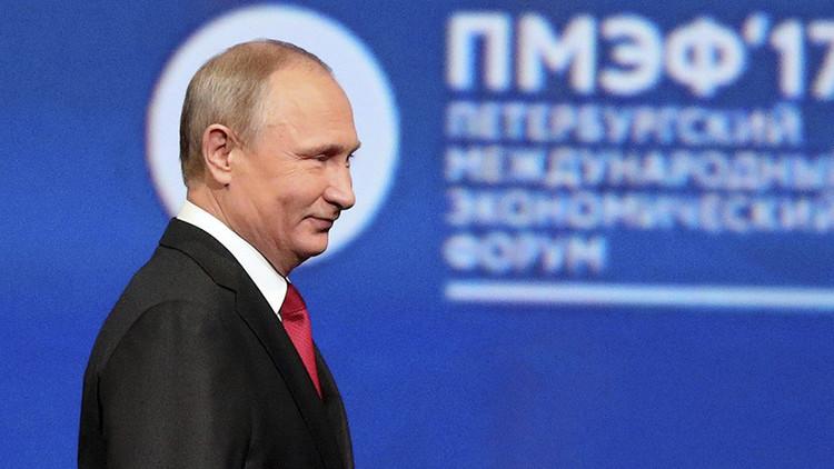 """""""Don't worry, be happy"""": Putin bromea sobre la salida de EE.UU. del histórico acuerdo climático"""