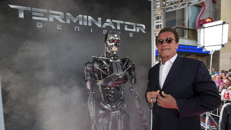 """Schwarzenegger a Trump: """"No regrese al pasado. Eso solo puedo hacerlo yo"""" (VIDEO)"""