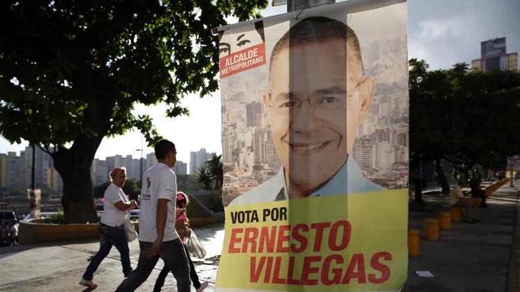 Ministro de Comunicación de Venezuela recibe a opositores en el canal del Estado